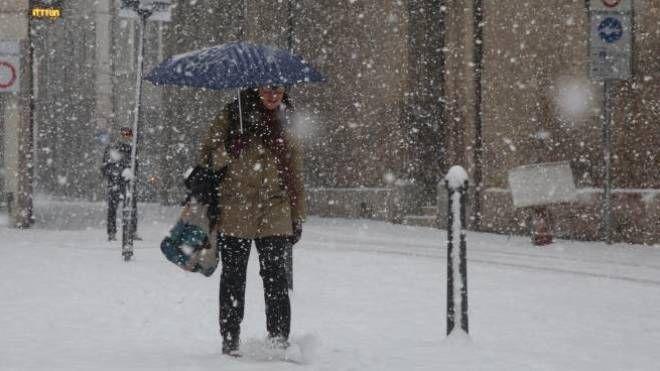 Meteo Marche, arriva la neve su tutta la regione