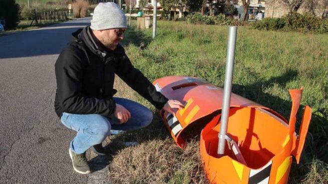 Lo 'speed check' di via della Motta a Pagnana è stato danneggiato per la terza volta in 2 anni
