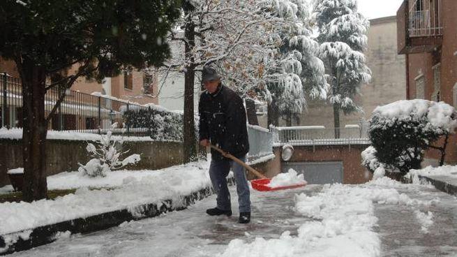 Toccherà ai cittadini ripulire i marciapiedi davanti a casa