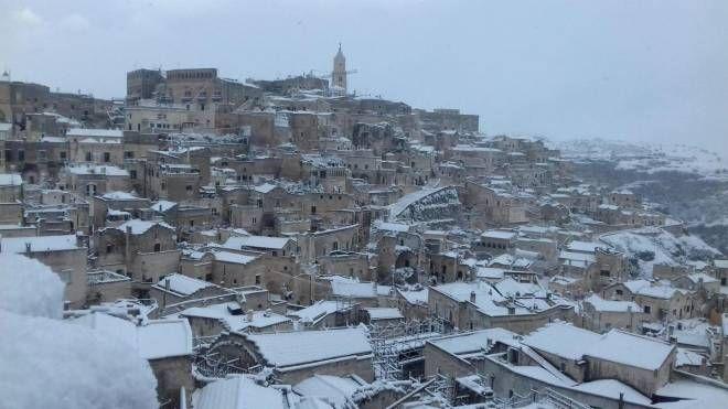 Meteo, come da previsioni la neve a Matera (Ansa)