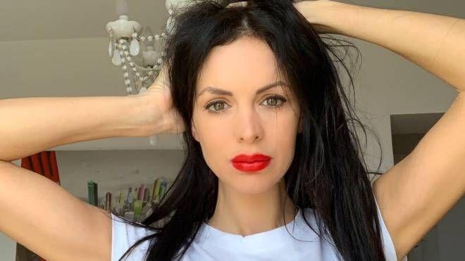 Elisa Bartolotti, 35 anni, si fa chiamare Elisa Bella