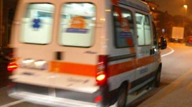Compra un'ambulanza e la usa come auto, 52enne fermato a Rovigo