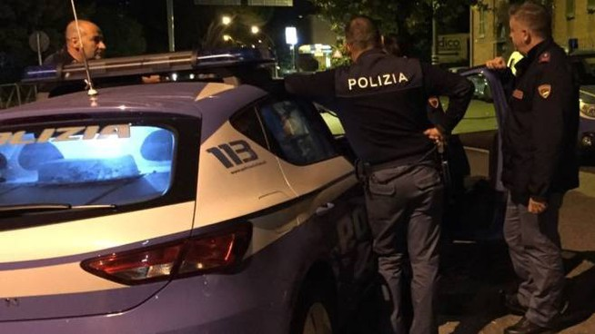La Volante della polizia sta facendo accertamenti per chiarire la dinamica