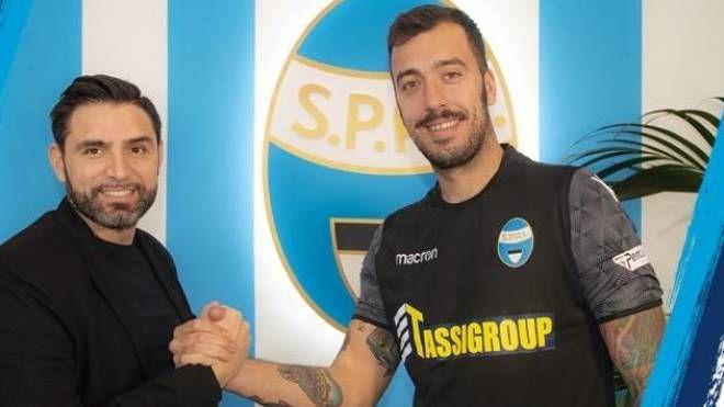 Il ds Vagnati con il portiere Viviano (foto dal sito web della Spal)