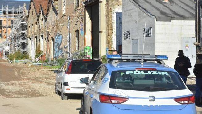 I controlli della polizia sono costanti alle ex Reggiani (Foto d'archivio Artioli)