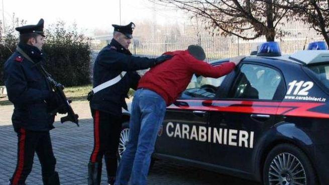 I carabinieri di Rimini hanno arrestato un 43enne con in tasca una pistola carica