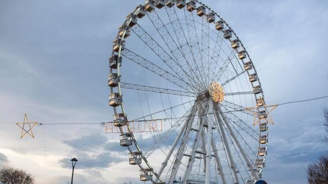 La ruota panoramica di Rimini (foto Bove)