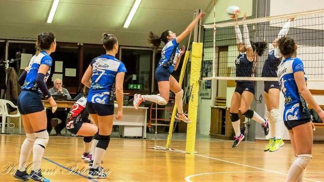 Una fase di gioco dell'ottimo Appennino Pistoiese Volley di coach Cecchini