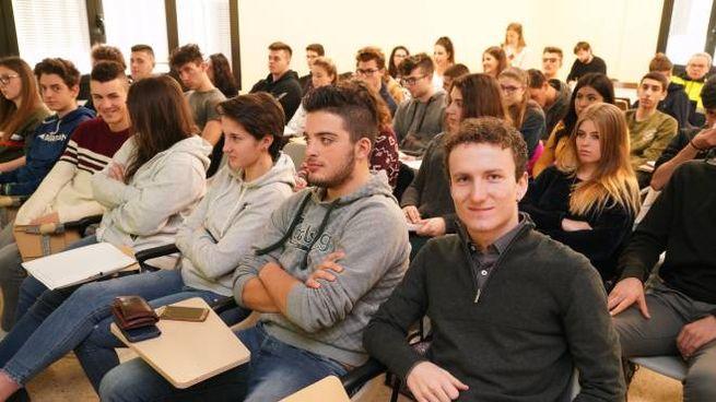 Gli studenti dell'Itas Tosi al corso di Protezione civile