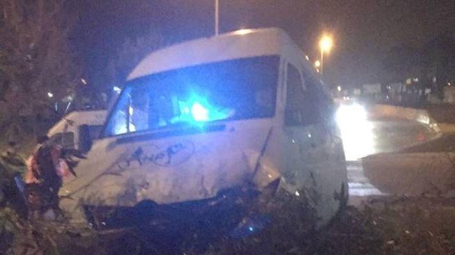 Il pulmino del Prato calcio a 5 coinvolto nell'incidente (da Facebook)