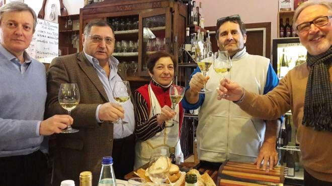 Marcello Rivi e sua moglie Norina con Floro Bisello, Fiorenzo Giammattei e Otello Renzi