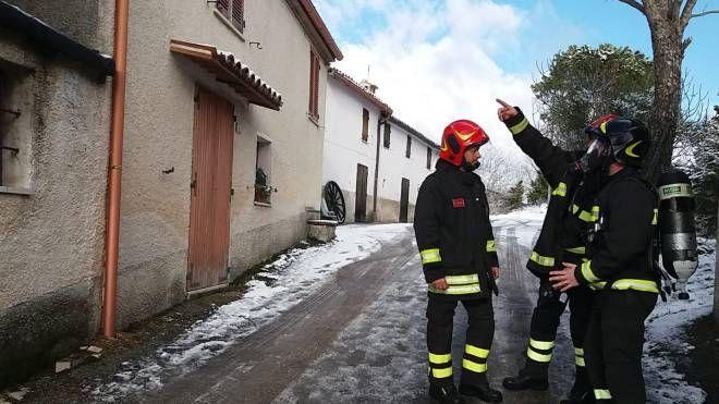 La casa dove è avvenuta la tragedia (foto Di Marco)