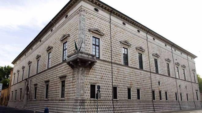 Palazzo dei Diamanti (foto archivio Businesspress)