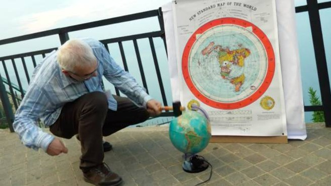 Terrapiatti contro la sfericità del pianeta
