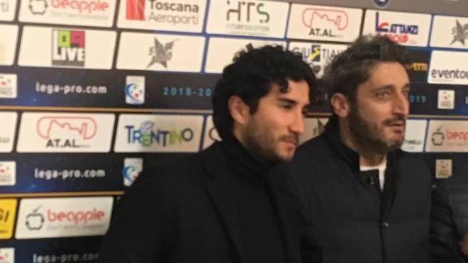 Sebastian Gamarra e il diesse del Pisa Roberto Gemmi