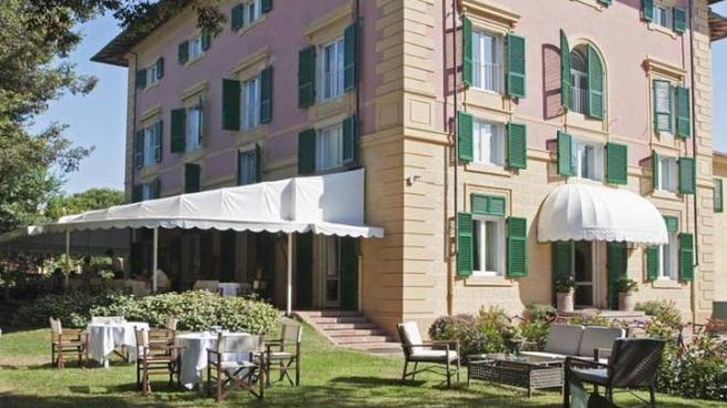 L'Augustus è uno degli hotel più conosciuti di Forte dei Marmi e della Versilia