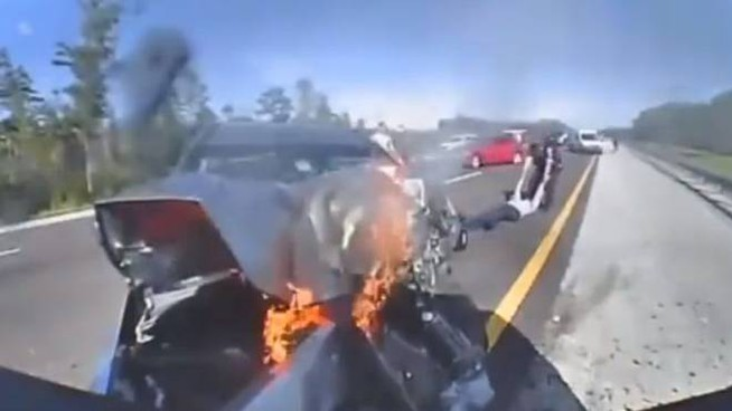 Un fermo immagine del video choc della polstrada della Florida