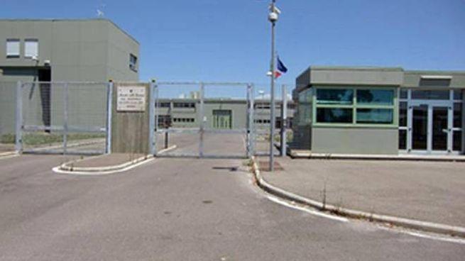 Una veduta esterna del carcere di Oristano (Ansa)