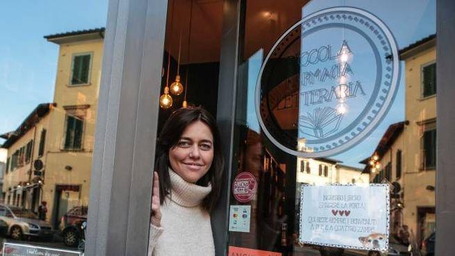 """La """"piccola farmacia letteraria"""" di Elena Molini (foto Cabras/New Press Photo)"""