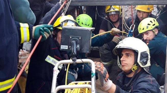 Operazioni di soccorso per Julen (Ansa)
