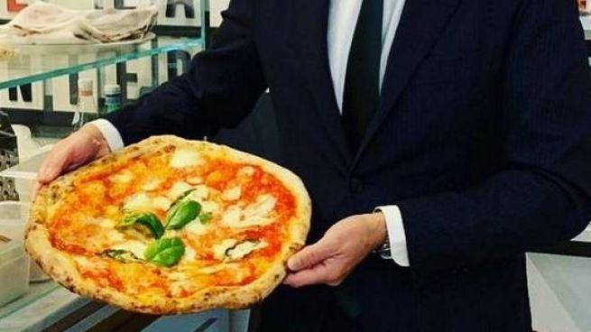 Il sindaco di Milano da Gino Sorbillo (Foto Facebook)