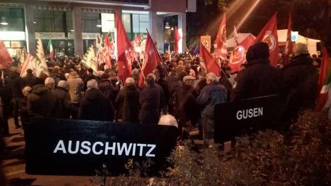 Il presidio del Comitato Antifascista contro il convegno di Casapound