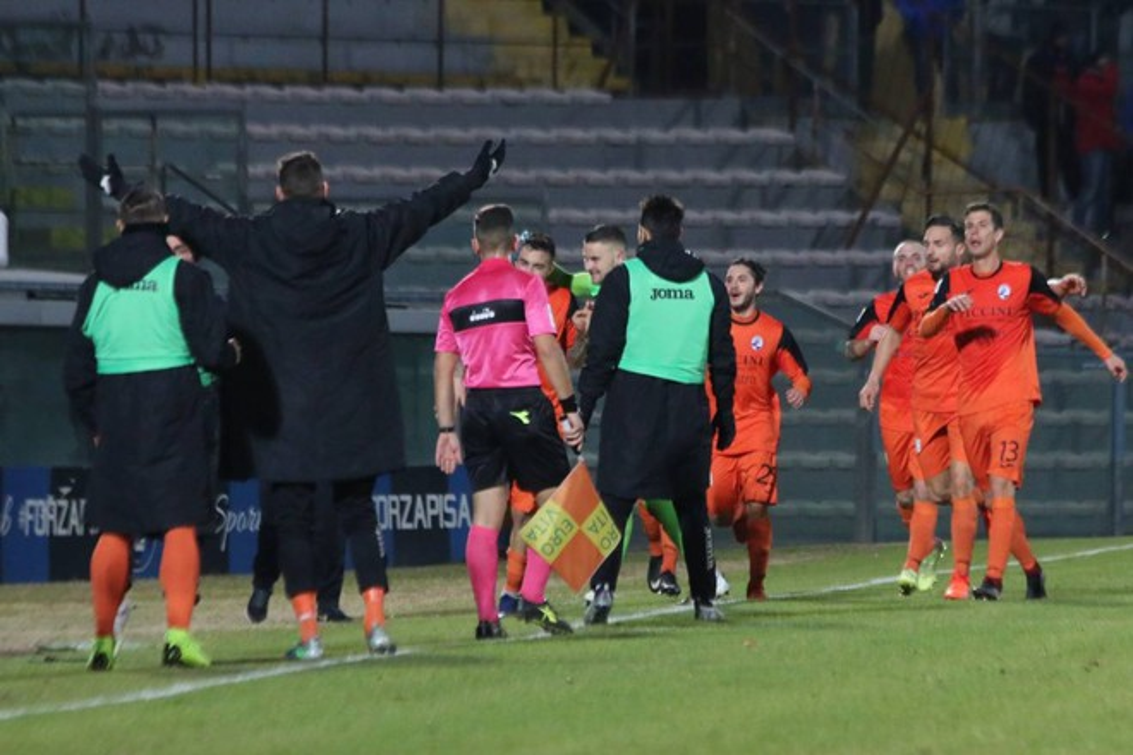 Calcio Serie C: Pisa-Siena, il derby toscano finisce con un pari, è 2-2