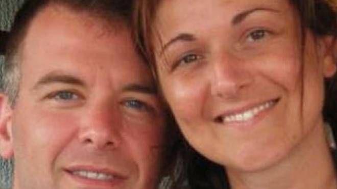 La vittima Stefania Crotti, 42 anni, con il marito (De Pascale)