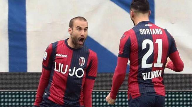 Rodrigo Palacio dopo il gol alla Spal (Ansa)