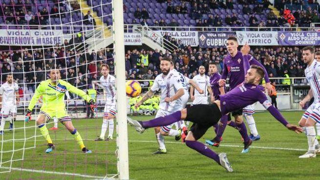 Fiorentina-Sampdoria, il gol del 3-3 di Pezzella (Germogli)