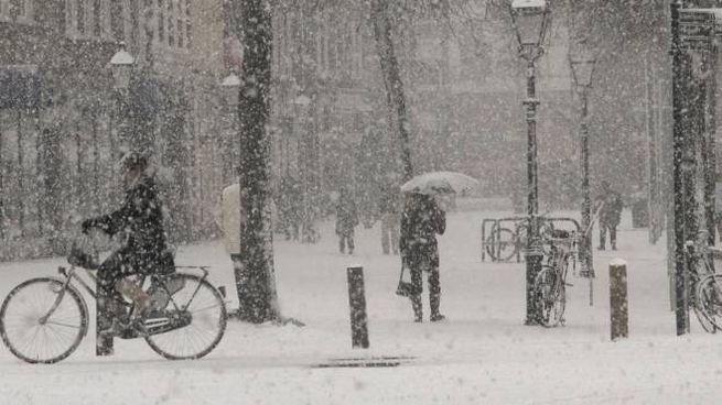 Previsioni del tempo, neve in arrivo (Foto d'archivio)