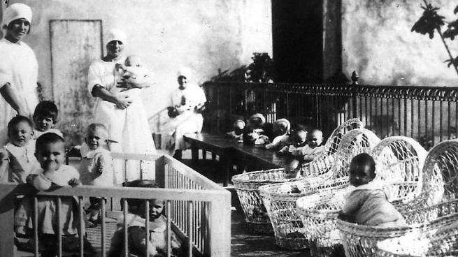 Un'immagine storica  dell'Istituto Innocenti di Firenze