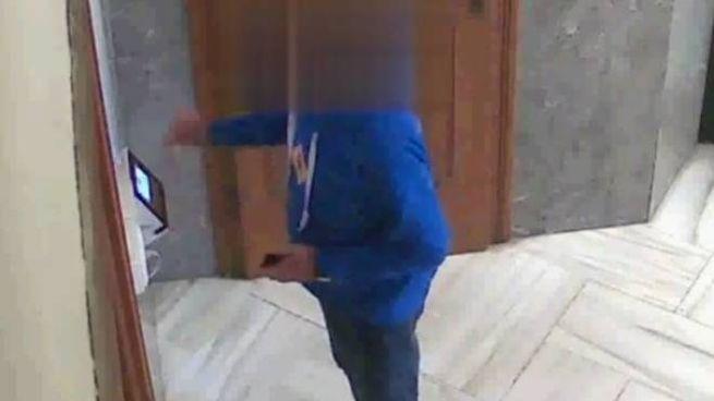 """Un """"furbetto"""" ripreso dalla telecamere dei carabinieri"""