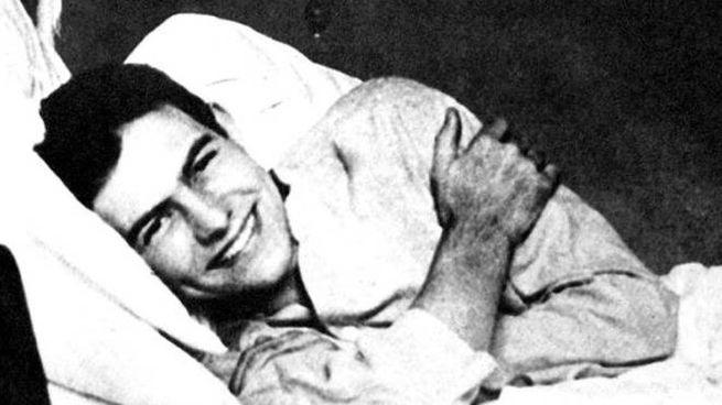 Ernest Hemingway in ospedale a Milano dopo le ferite riportate al fronte