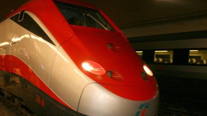 Un treno ad alta velocità (foto d'archivio Schicchi)