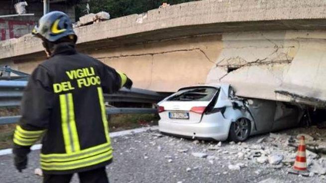 Il ponte di Annone Brianza crollato