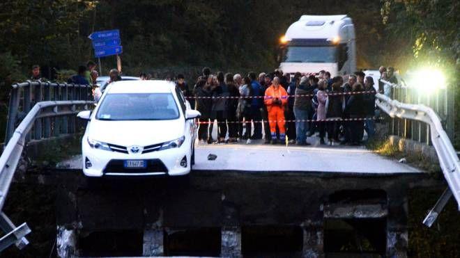 Il ponte crollato il 28 ottobre 2016