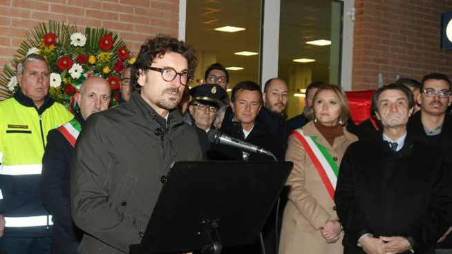 Il ministro Toninelli alla commemorazione di Pioltello