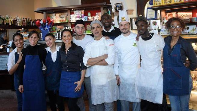 Lo staff della pasticceria Mariani