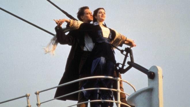Kate Winslet e Leonardo Di Caprio nel celebre film di Cameron