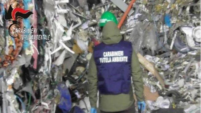 Noe sequestra sito con oltre 2.400 tonnellate di rifiuti