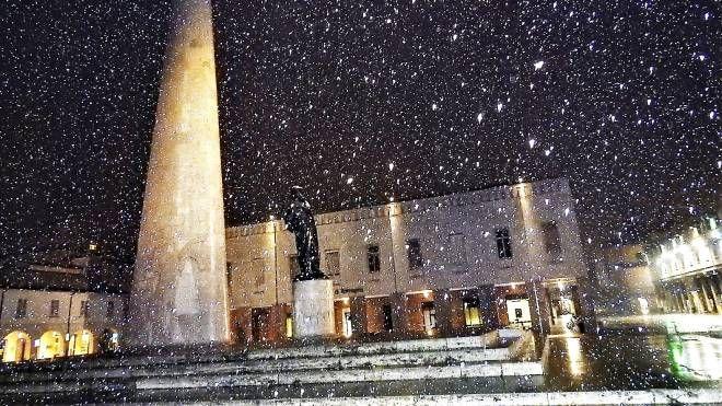 La neve a Lugo (foto Scardovi)