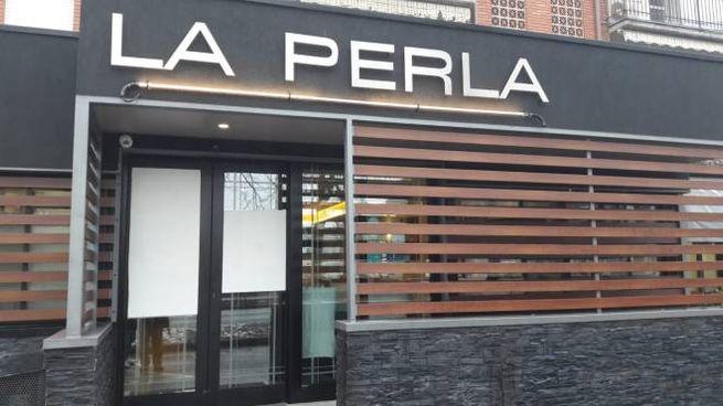 Cadelbosco Sopra, spari contro la pizzeria 'La Perla'