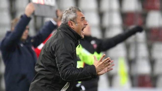 """Mister Toscano sembra avere deciso di """"sposare"""" la difesa a tre per la sua squadra"""