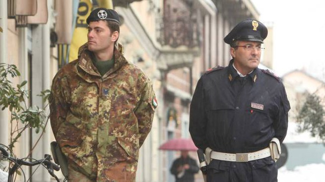 Polizia ed esercito in città