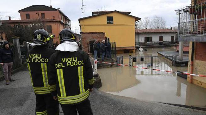 Reno in piena a Bologna, allagamenti e disagi (FotoSchicchi)