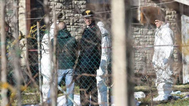 I carabinieri al lavoro dove è stata uccisa Augusta Brunori