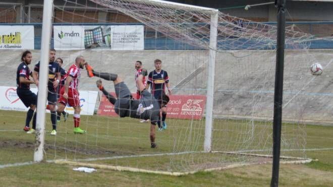Capitan Graziani ha appena segnato il gol dell'1-1 (foto Fantini)