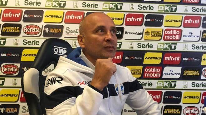 Mister Eugenio Corini chiede ai suoi giocatori di continuare al massimo, senza mai mollare