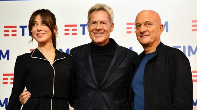 Festival di Sanremo. Virginia Raffaele, Claudio Baglioni e Claudio Bisio (Lapresse)